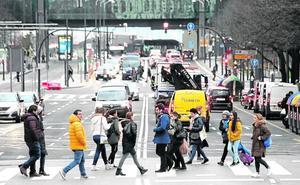 Bilbao, Barakaldo y Getxo estarán obligados a expulsar coches del centro como Madrid