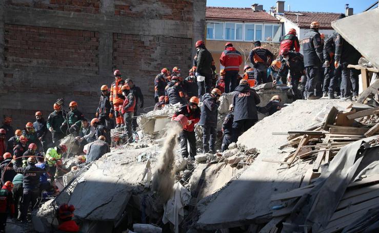 Un terremoto de magnitud 6.5 sacude el este de Turquía