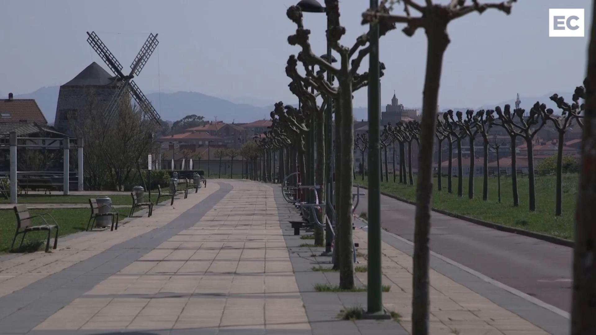 Paseos y playas vacías en Bizkaia por el estado de alarma contra el coronavirus