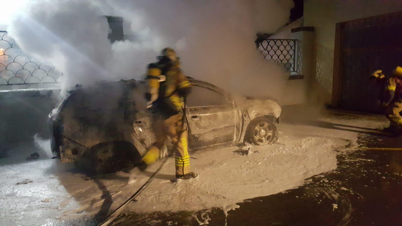 La Ertzaintza investiga el incendio de un coche de la Policía Local en Zalla