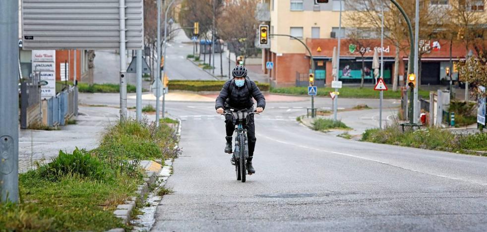 Multan a un ciclista de Getxo que tardaba casi tres horas en ir a trabajar