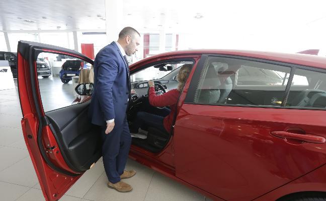 La venta de coches se desploma un 78% en Euskadi por el cierre de los concesionarios