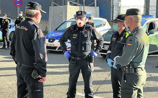 La tarde del martes 7 se produjo el último homenaje policial en Vitoria, de nuevo con los cuatro cuerpos.
