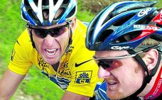 Armstrong remueve su propio fango