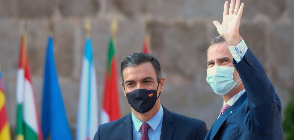 Sánchez llama a la militancia del PSOE a defender la Constitución y la Corona