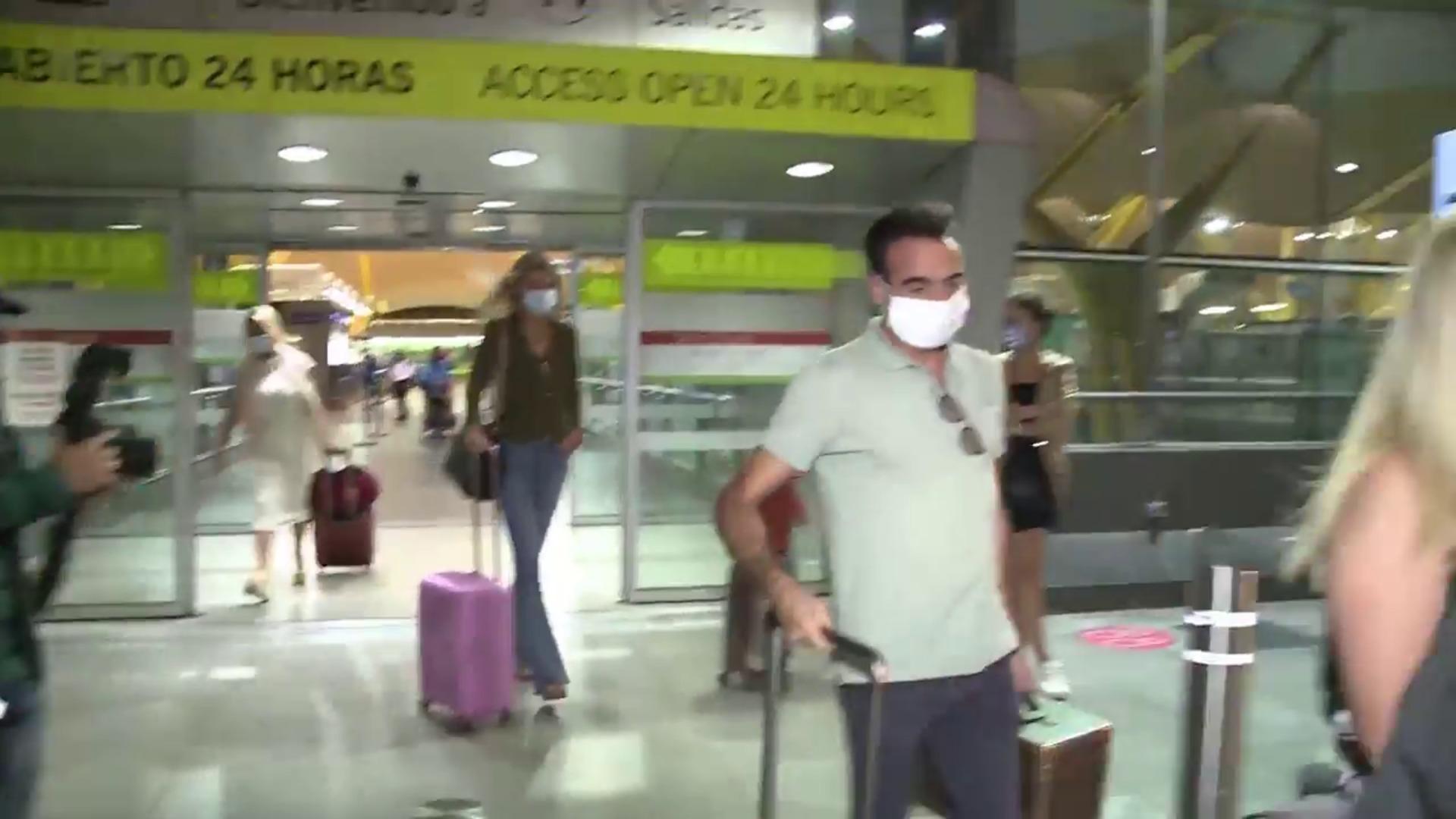 Enrique Ponce y Ana Soria llegan a Madrid tras pasar el fin de semana juntos