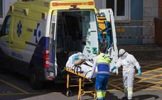 El Ejecutivo autoriza a las autonomías a contratar a 10.000 profesionales sanitarios