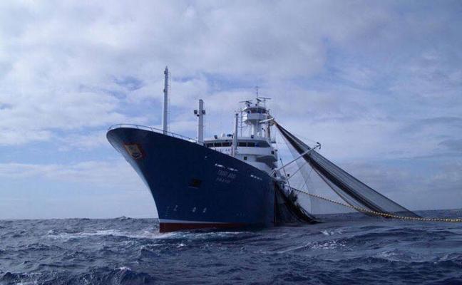 La flota atunera vasca, preocupada por el aumento de los piratas en el Golfo de Guinea