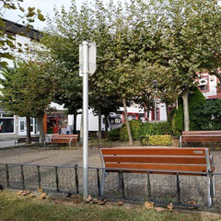 Los vecinos de Gorliz votan por cuál quieren que sea la futura plaza José Antonio Agirre