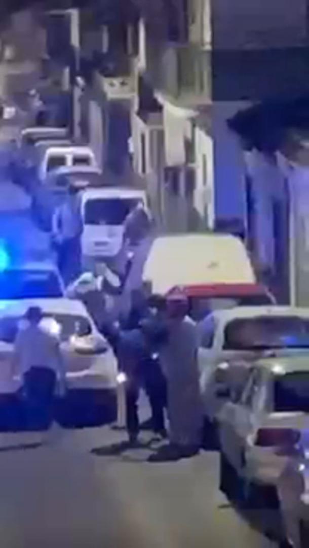 Dan una paliza a dos policías locales en Málaga tras apercibir a un menor por no usar mascarilla