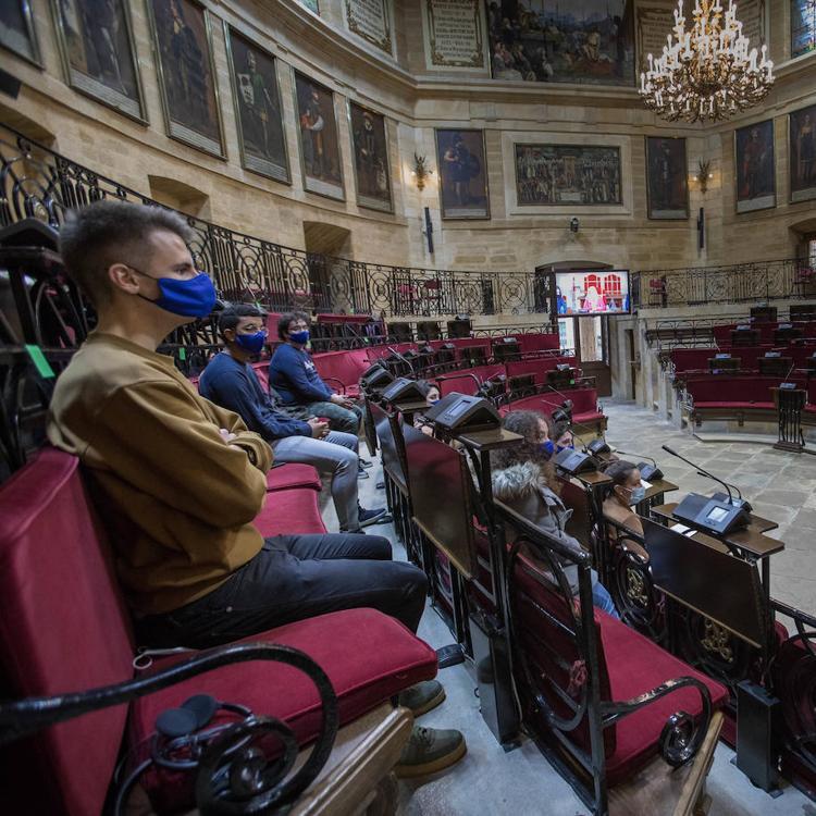«En comparación con jóvenes de otros países apenas acudimos al teatro»