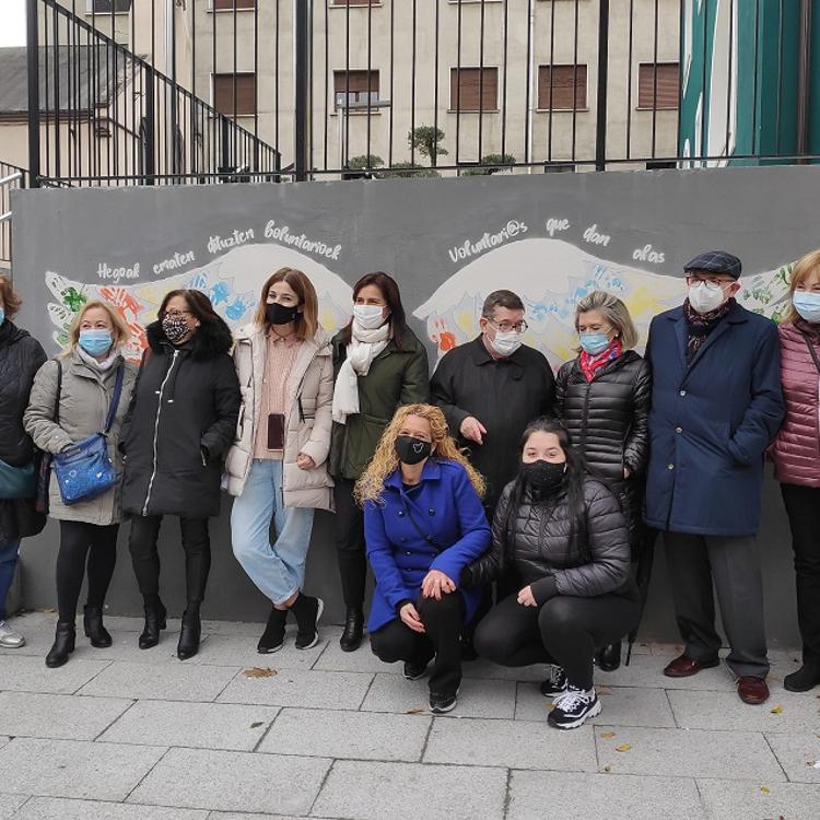 Santurtzi celebra el Día del Voluntariado con la exposición de un mural
