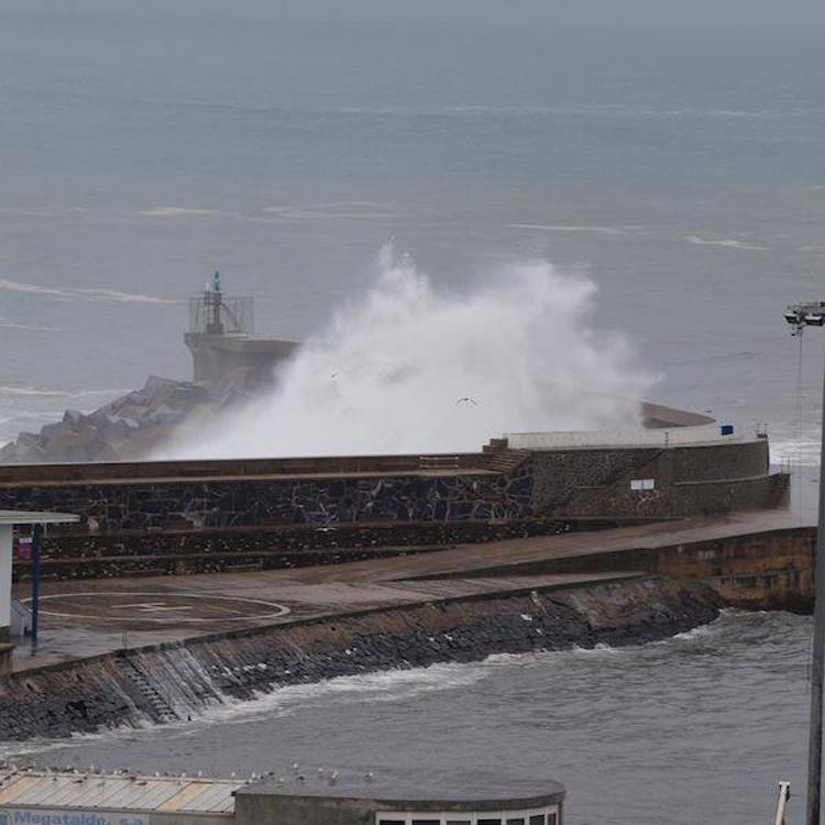 Puertos reforzará el dique de Ondarroa para abrigar el muelle de los temporales