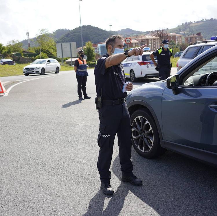 Policía Local y Ertzaintza multiplicarán controles y sanciones para hacer cumplir el confinamiento