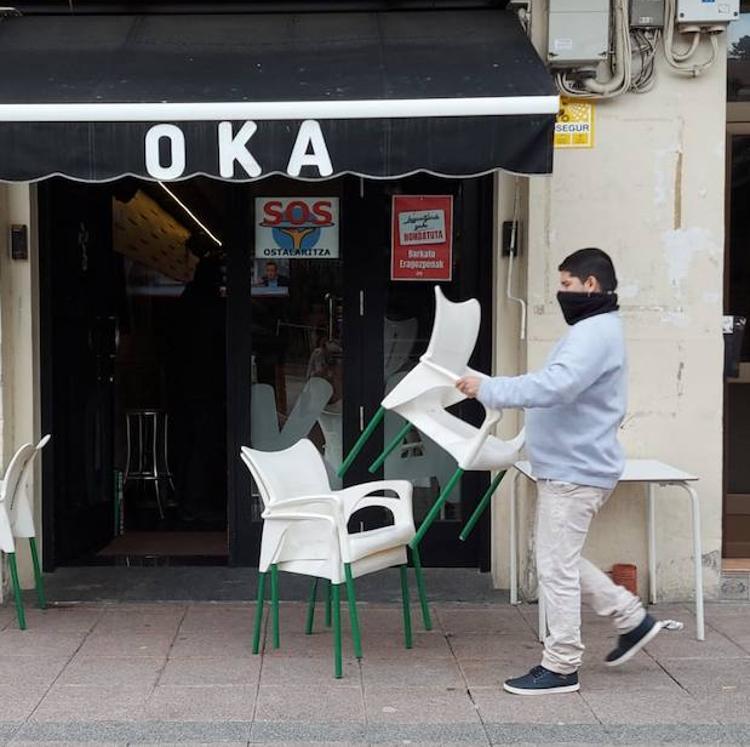 Los hosteleros de Gernika reciben «con resignación» el nuevo cierre de sus locales