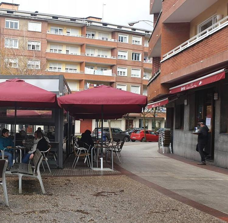 La hostelería y la población de Durango se preparan para un posible cierre desde el martes