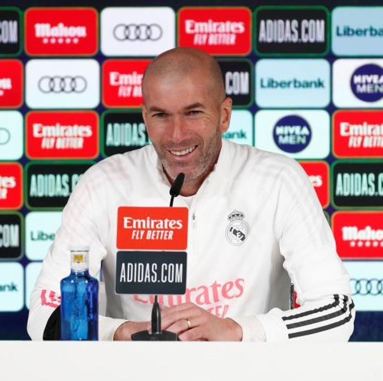 Zidane: «Los jugadores tienen que jugar y mostrarse, como ha hecho Jovic»