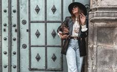 Almudena, la chica del sombrero que nunca pasa desapercibida en Bilbao