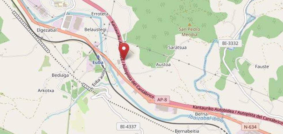 Tres heridos en un accidente en la AP-8 a la altura de Amorebieta