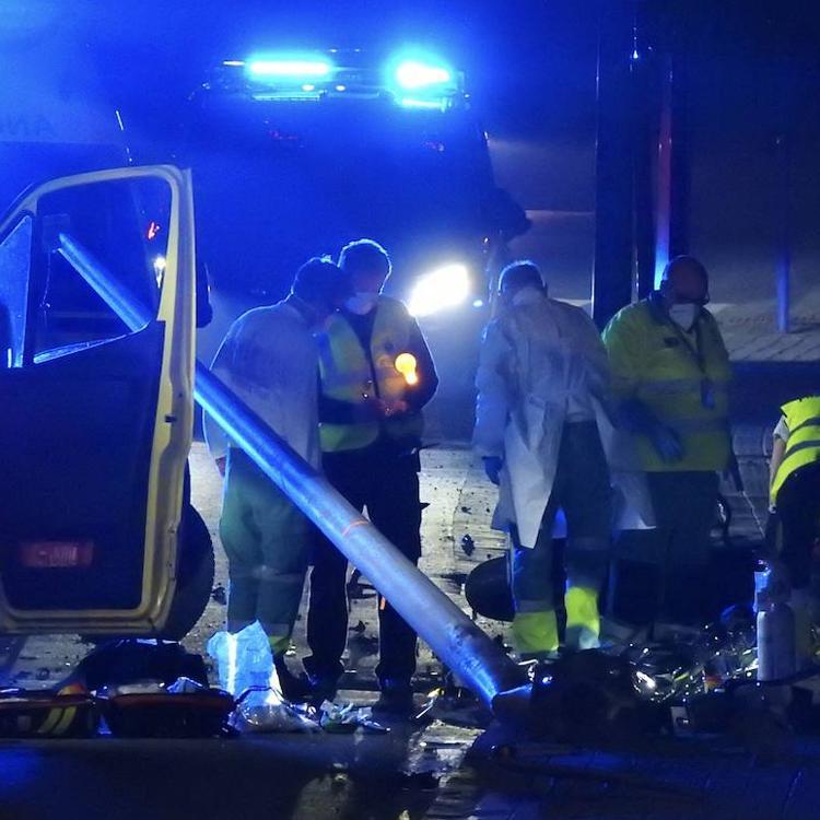 Fallece un motorista en Urduliz tras salirse de la calzada y estrellarse contra una farola