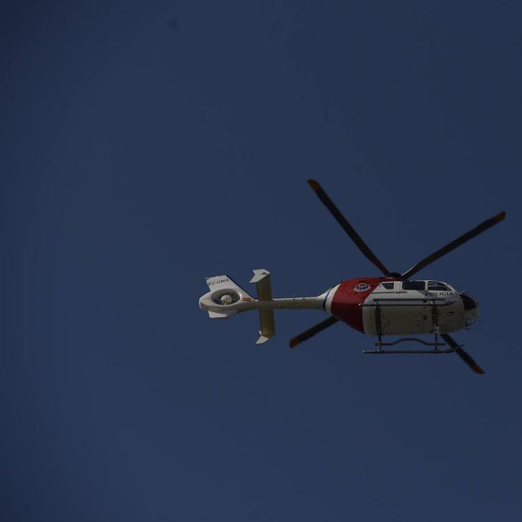 El helicóptero de la Ertzaintza rescata a una mujer tras sufrir una caída en Barakaldo