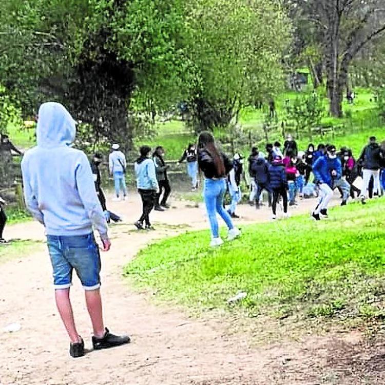 Un fuerte despliegue policial evita una nueva pelea en el pinar de Gorliz