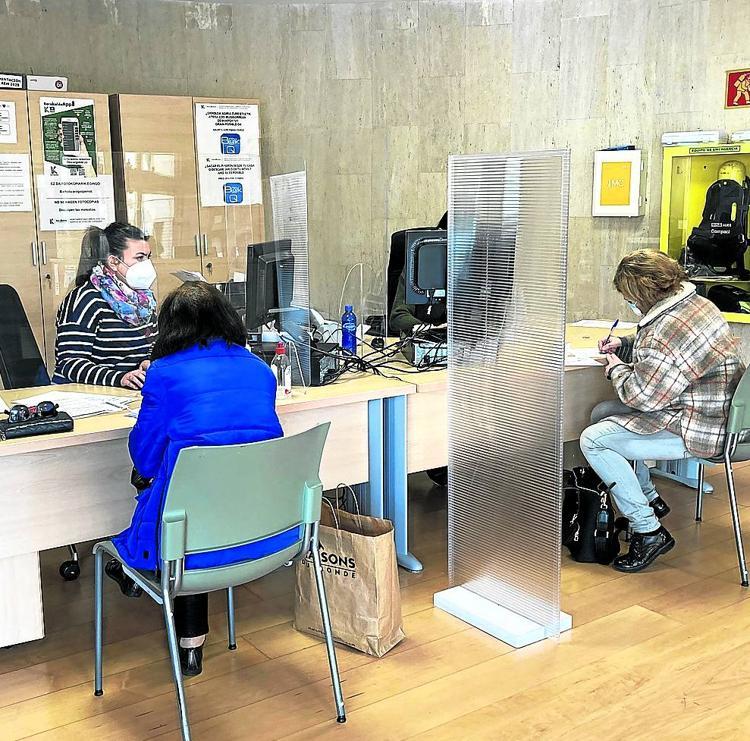 Barakaldo refuerza el servicio de atención ciudadana para hacerlo más accesible