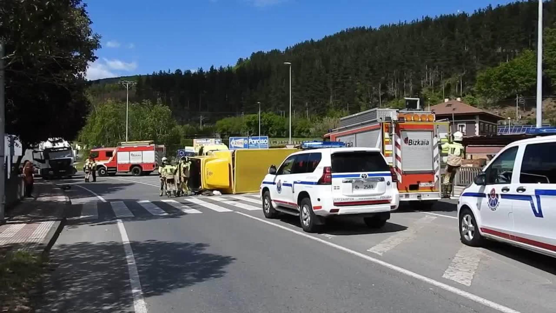 Dos heridos en un accidente en Zalla