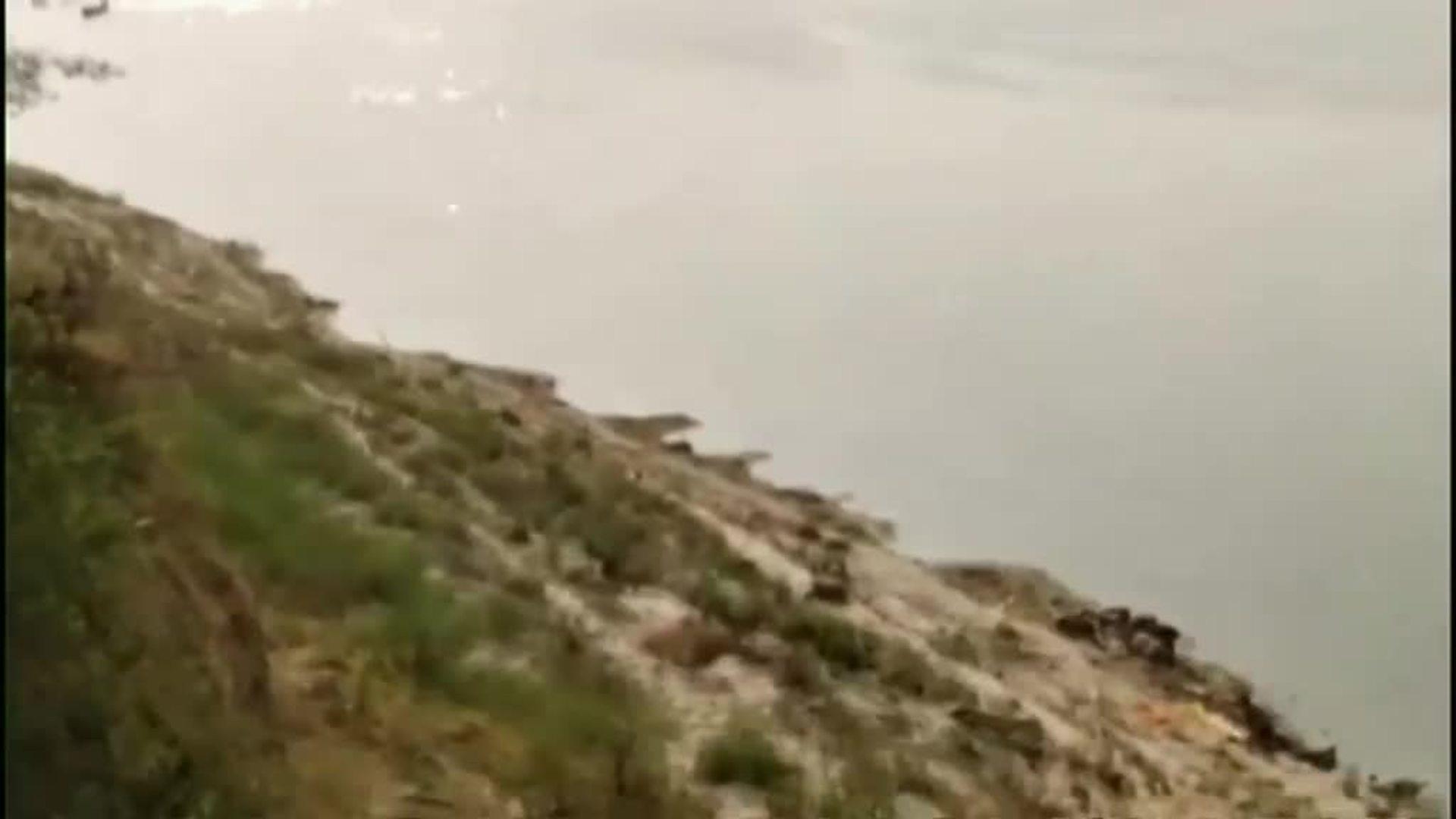 La tragedia del coronavirus llega al Ganges con decenas de cuerpos flotando en aguas del río sagrado desde hace días