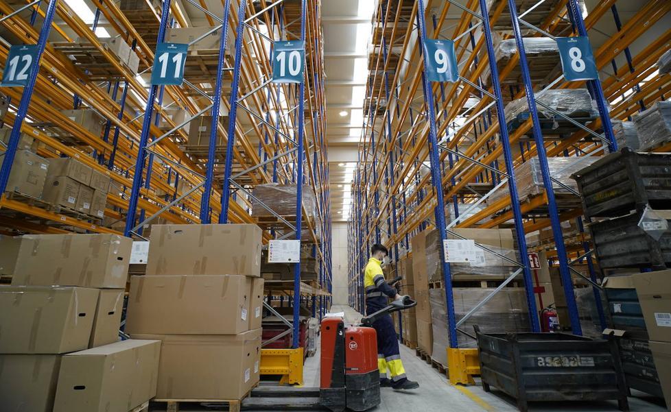 Lantegi Batuak emplea a 19 discapacitados en su nuevo centro de logística de Iurreta