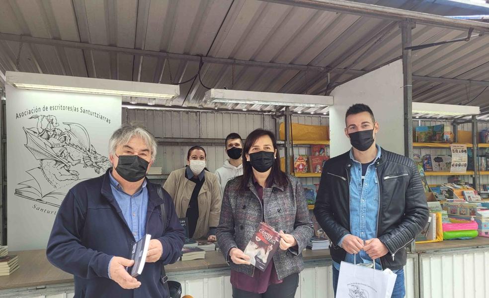 Arranca la Feria del Libro en Santurtzi para «consumir cultura en tiempos de pandemia»