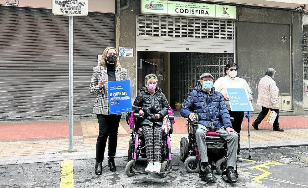 Barakaldo controlará la ocupación ilegal de las plazas para personas con discapacidad