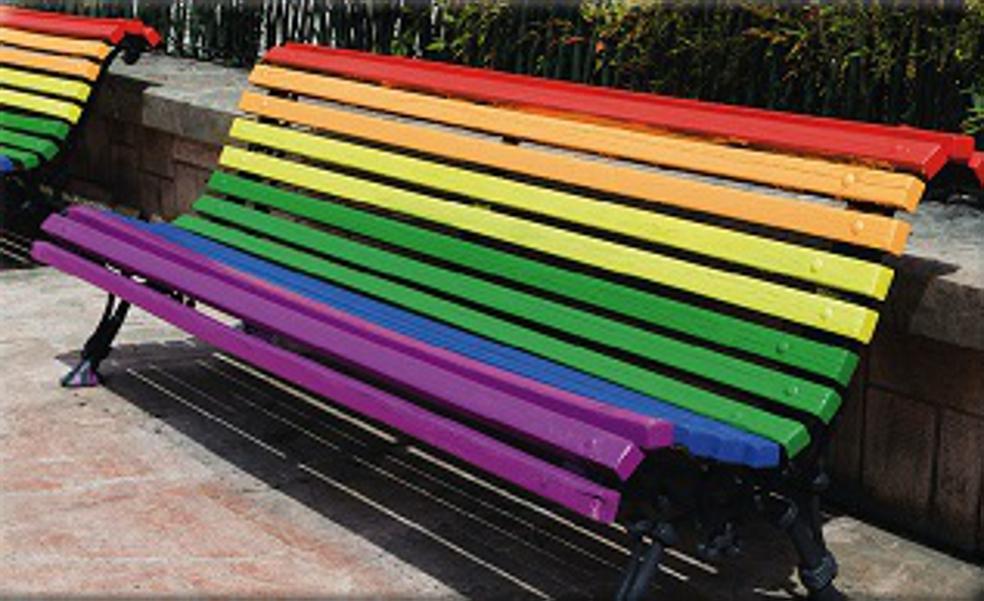 ¿Te animas a pintar bancos con los colores del arcoíris en apoyo al colectivo LGTBIQ+ en Abadiño?