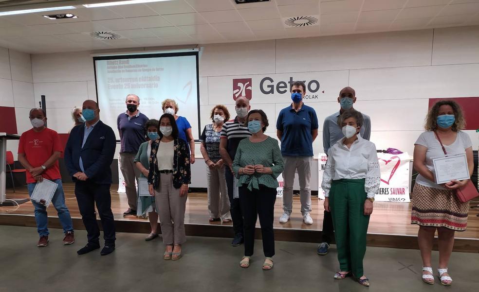 Homenaje a 17 donantes de sangre en Getxo