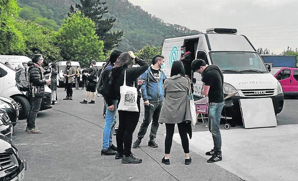 El Ayuntamiento de Basauri empadrona al hombre que vive en una furgoneta