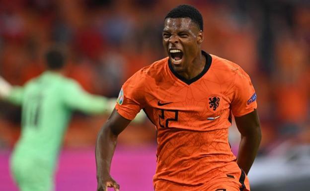 Países Bajos clasifica a los octavos de final al vencer a Austria en la arena Johan Cruyff