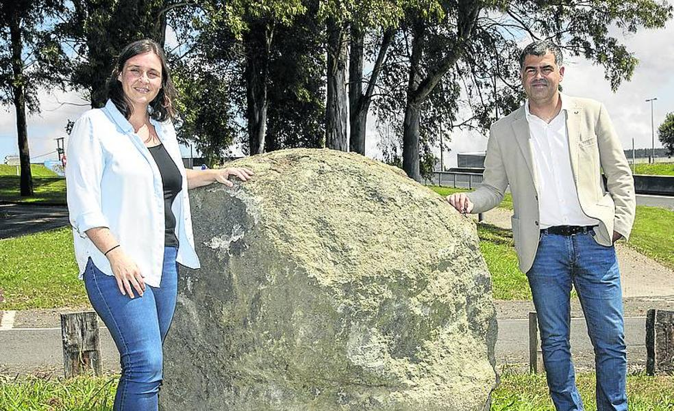 Una roca de 7 toneladas desvela el pasado volcánico de Erandio en la UPV
