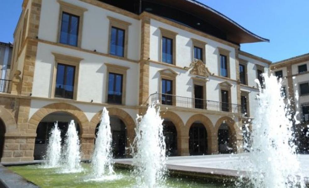 El Ayuntamiento de Amorebieta muestra su «repulsa» a la agresión sufrida por el joven que se encuentra en estado crítico