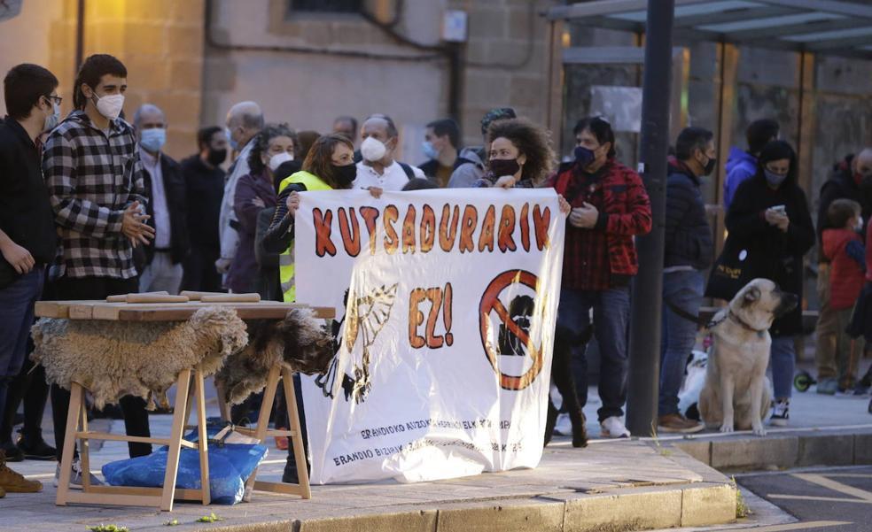 Vecinos de Erandio piden identificar los focos contaminantes del aire por barrios