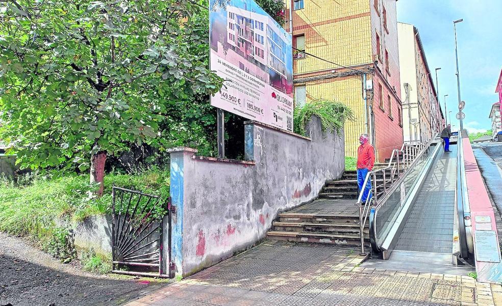 La oposición respalda el cambio de acessos en las viviendas de Basozelai