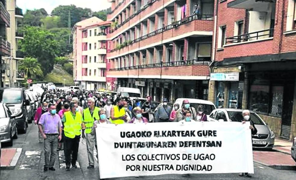 Vecinos de Ugao piden una banca y una Administración «más accesible»