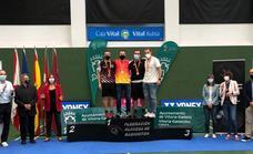 Álava se cuelga cinco medallas en el Nacional sénior de badminton