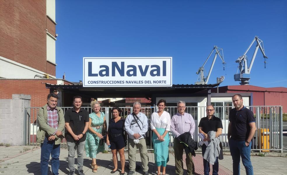 Parlamentarios vascos se interesan por el futuro de La Naval