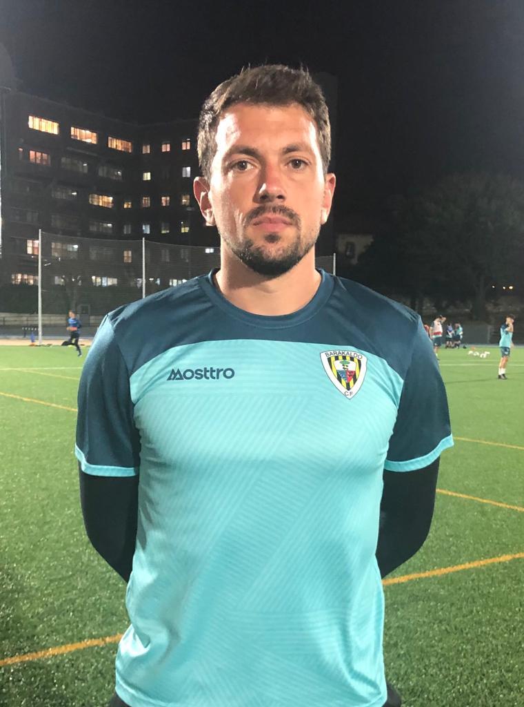 Jon Tena sustituye en la portería del Barakaldo al lesionado Markel Areitio