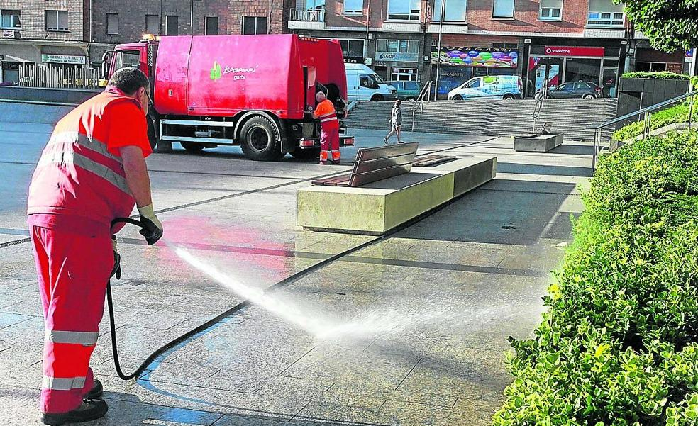 Basauri destina 262.688 euros para reforzar la limpieza en edificios públicos
