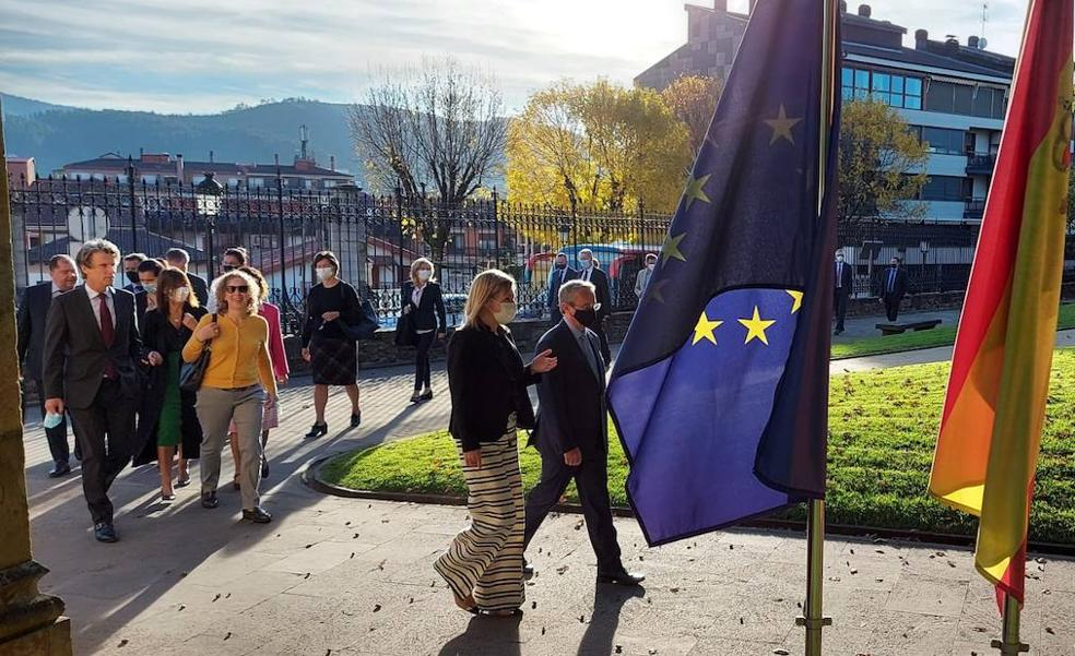 Otadui ensalza el interés de Europa por la «cuna de una de las democracias más viejas»