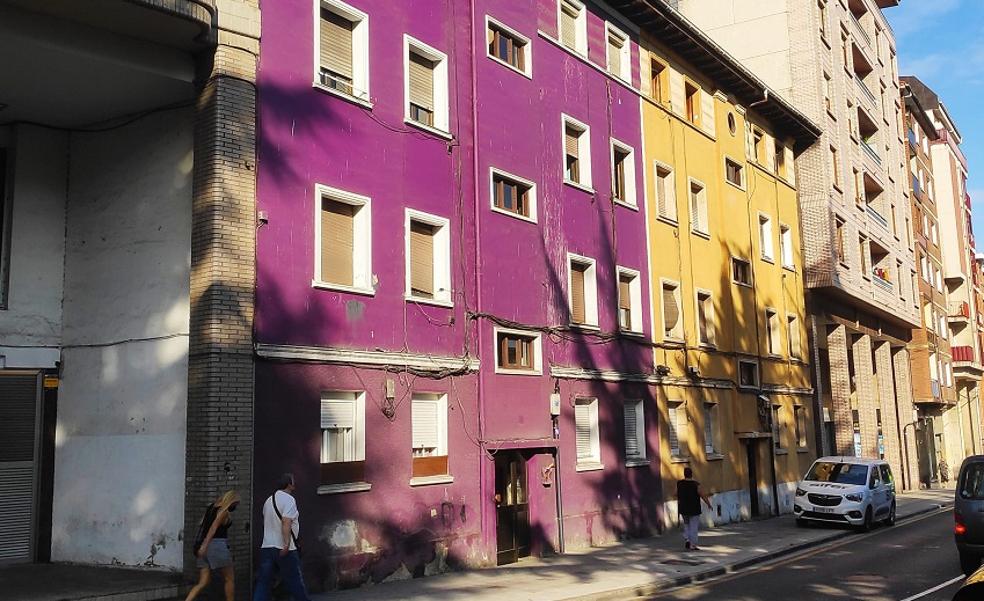 Avanza la regeneración en Santurtzi con el derribo de dos antiguas viviendas del centro