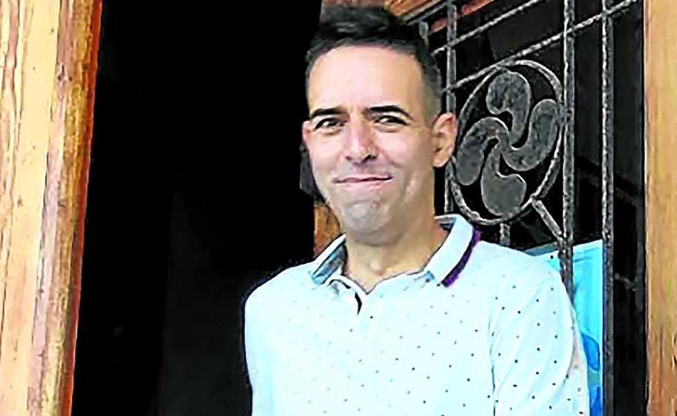 «El PNV me dejó caer la posibilidad de darme un trabajo si abandonaba la Alcaldía»
