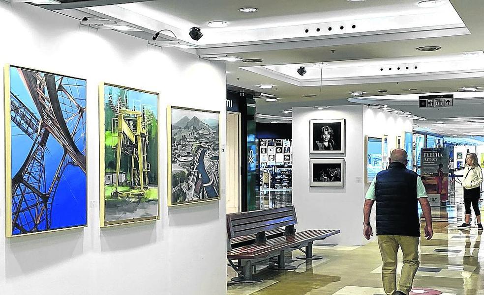 Un museo con más de 300 obras entre carritos y tiendas