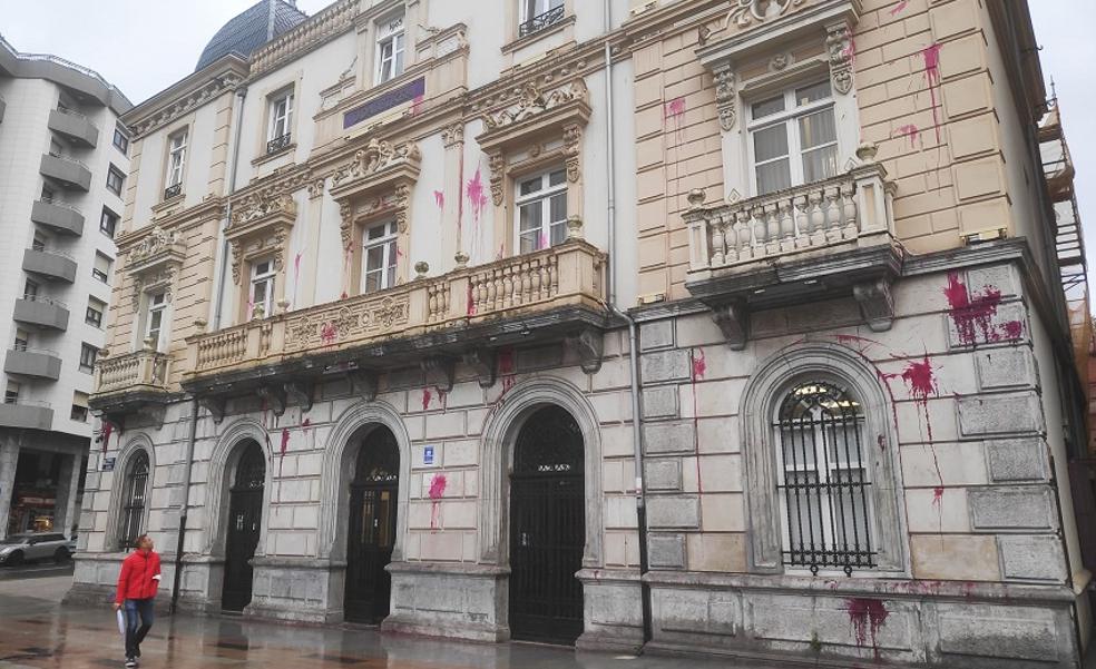 Santurtzi condena la ocupación sin el apoyo de EH Bildu y Podemos